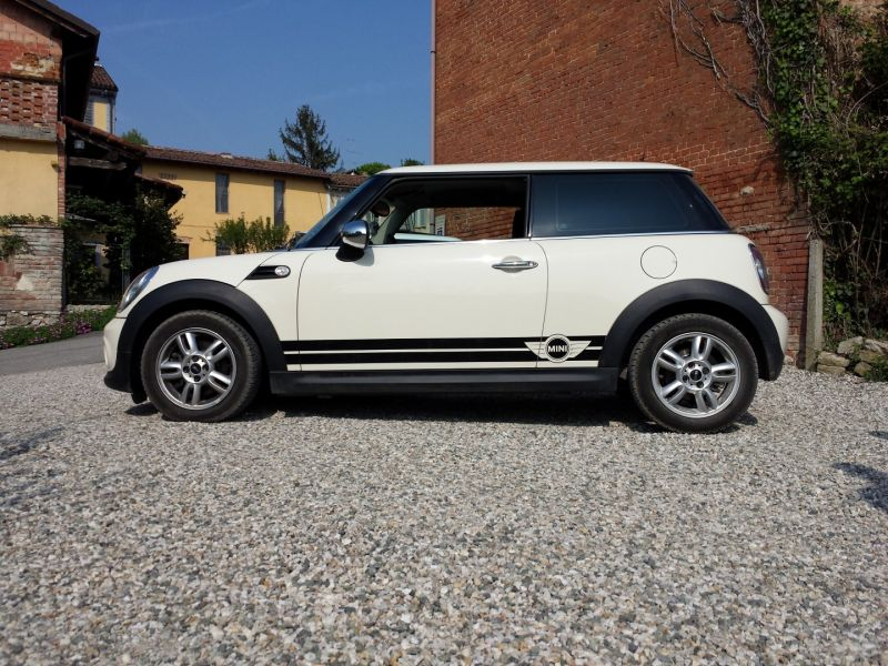 side stripes sport mini in versione nera