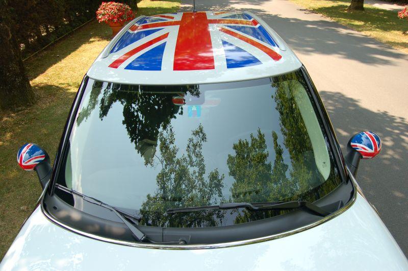 Grafica UJ a spicchi su Mini countryman R60 con calotte UJ