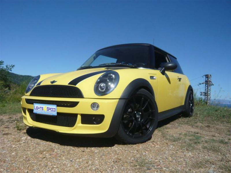 mini r50 oneD con kit aero , fanali black angel eyes, angel elyes di posizione