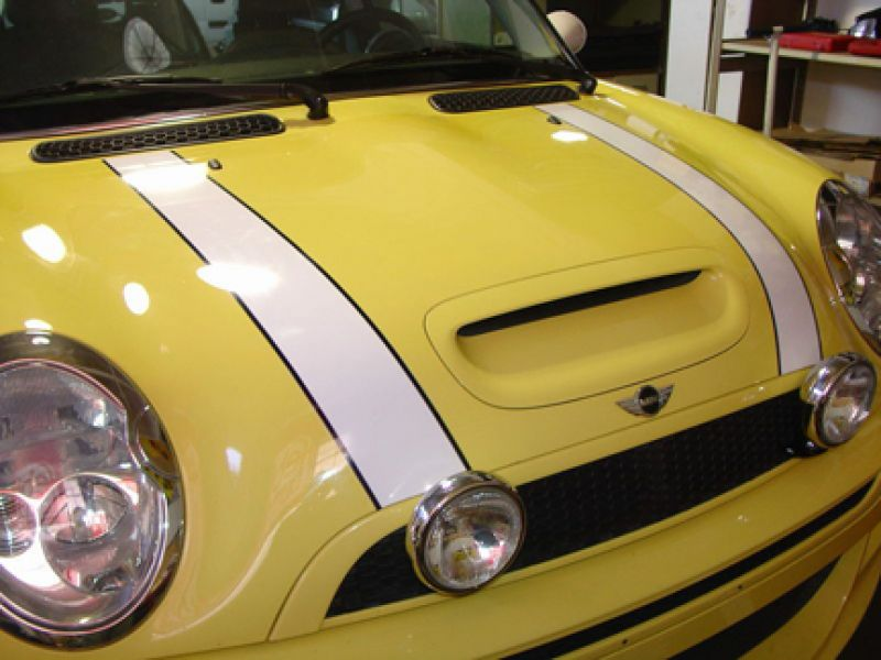 BONNET STRIPES NON ORIGINALI CON BORDO IN CONTRASTO :
